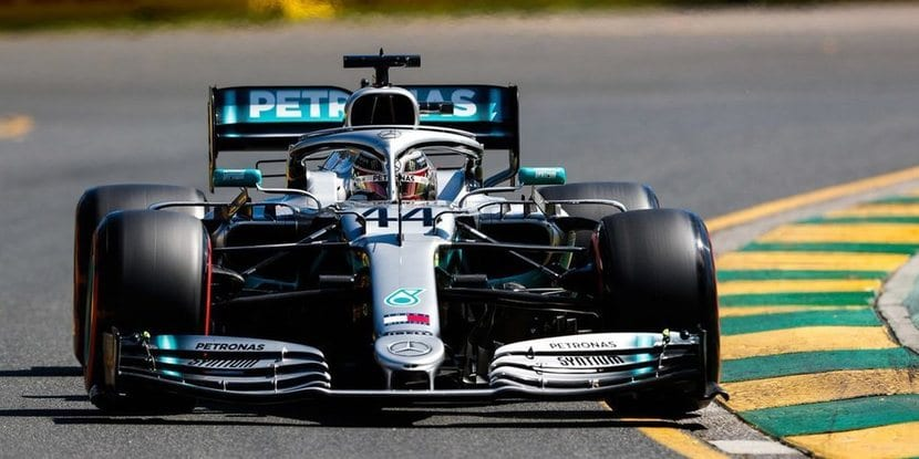 Hamilton en Mercedes en el GP de Australia