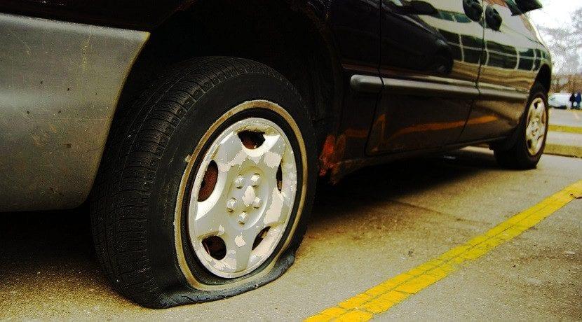 Circular con los neumáticos sin aire