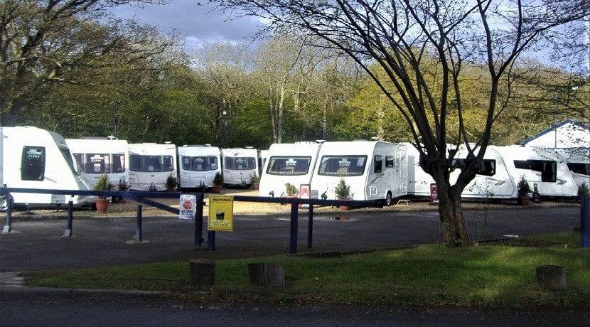 Parque de caravanas y autocaravanas