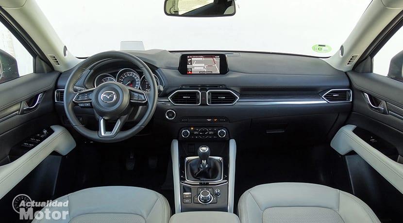 Prueba Mazda CX-5 diésel salpicadero