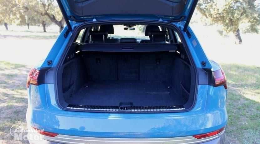 Audi e-tron maletero