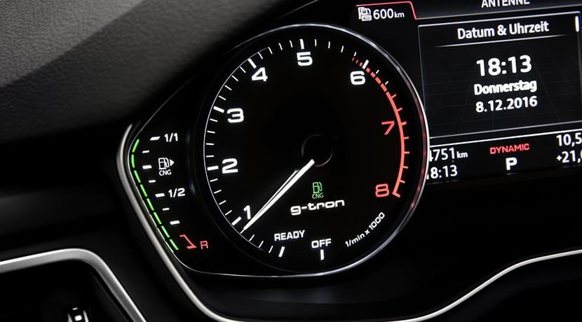 cuadro de instrumentos de Audi g-tron GNC
