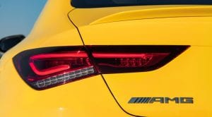 Mercedes-AMG CLA 35 4Matic grupo óptico y enseña