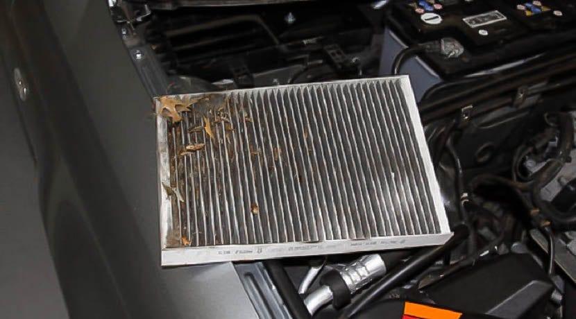 Filtro del aire acondicionado de un coche