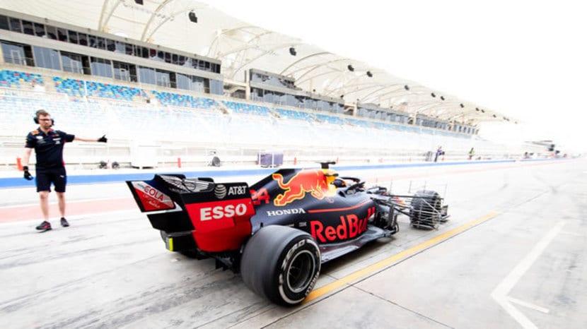 Red Bull en el Box con rakes de sensores