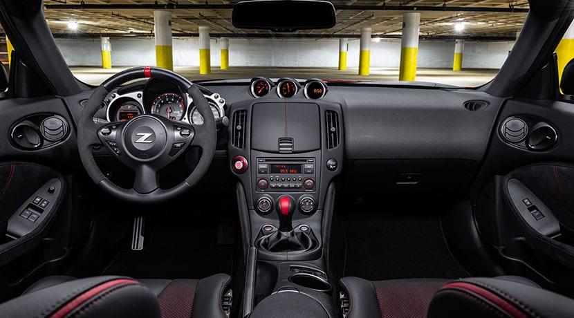 Interior Nissan 370Z 50 Aniversario