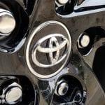 Logo de las llantas del Toyota Rav4 2019 220H 4x2 Feel!