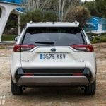 Trasera del Toyota Rav4 2019 220H 4x2 Feel!
