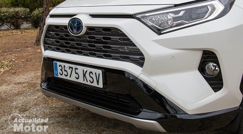 Parrilla del Toyota Rav4 2019 220H 4x2 Feel!