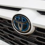 Logo frontal del Toyota Rav4 2019 220H 4x2 Feel!
