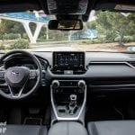 Interior del Toyota Rav4 2019 220H 4x2 Feel!