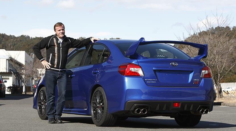 Tommi Makinen con el Subaru WRX STi durante su desarrollo