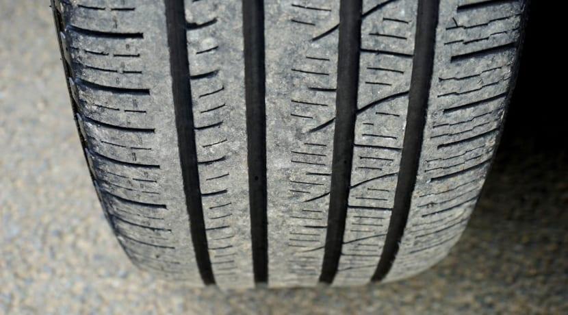 Neumático asimétrico