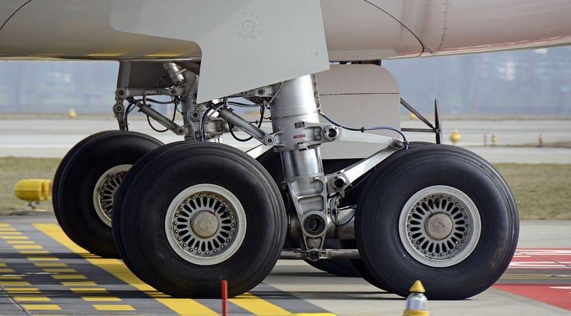 Neumático recauchutado para uso en avión