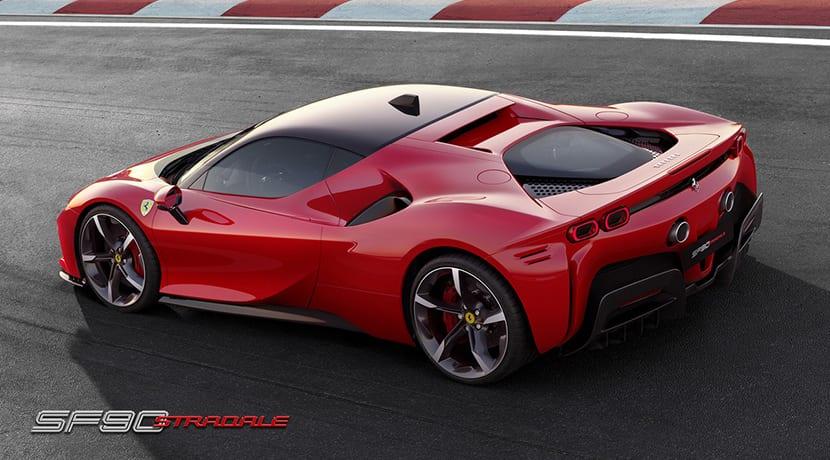 Ferrari SF90 Stradale perfil trasero