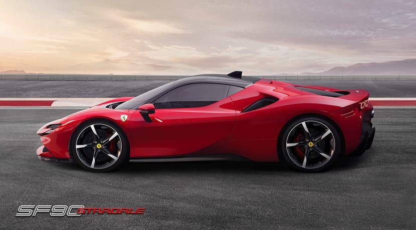 Ferrari SF90 Stradale lateral