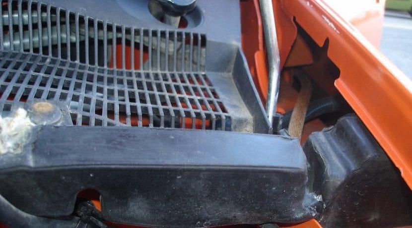 Paso del cable hasta el vano motor