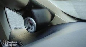 Cómo instalar un manómetro del turbo en el coche