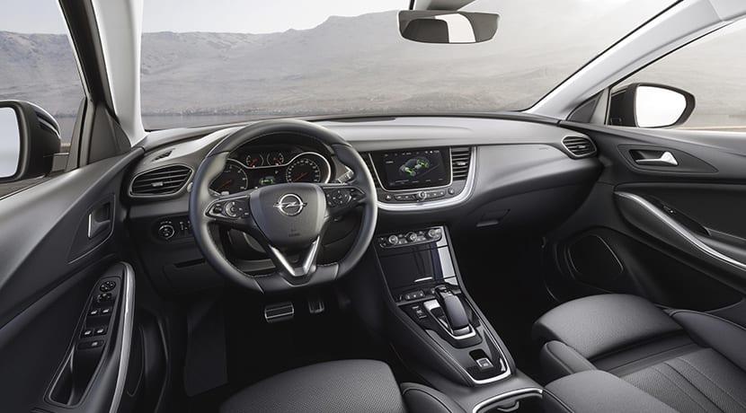 Opel Grandland X Hybrid4 interior