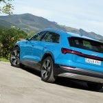 Prueba Audi e-tron 55 quattro perfil trasero