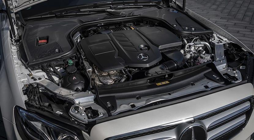 Prueba Mercedes-Benz E 300 de híbrido motor diésel