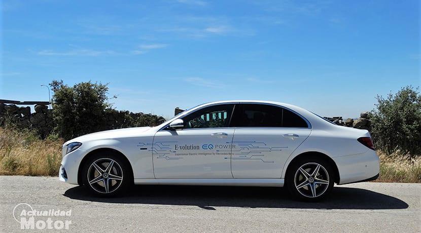 Prueba Mercedes-Benz E 300 de híbrido diésel 306 CVlateral