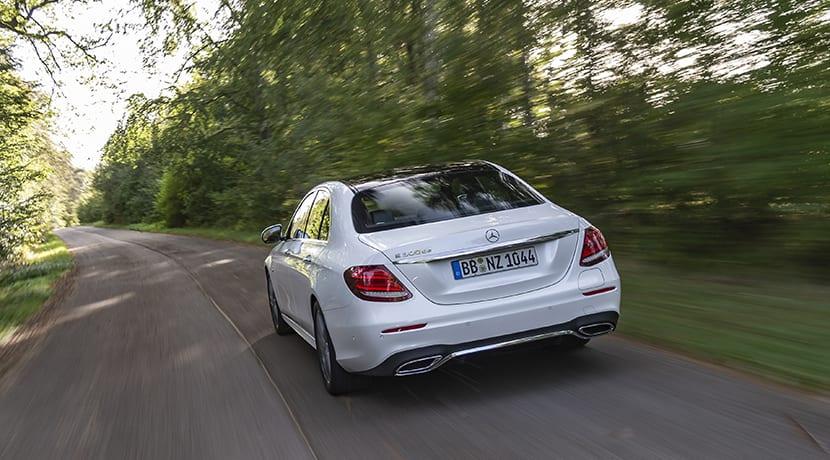 Prueba Mercedes-Benz E 300 de dinámica trasera