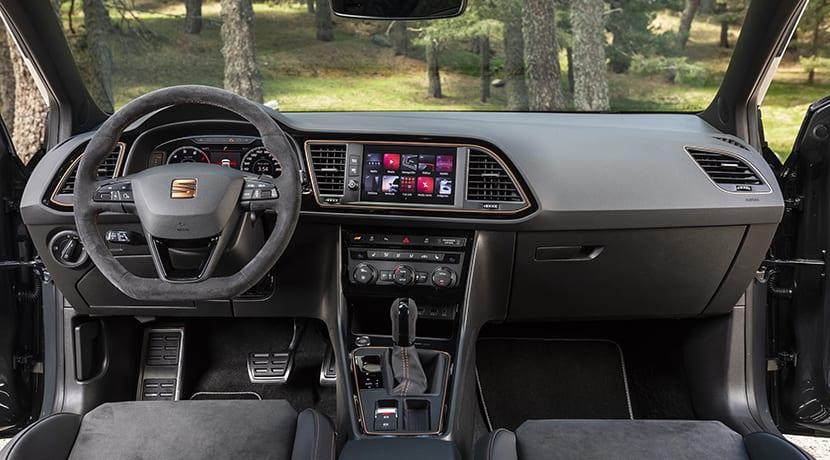 Seat León ST Cupra R interior