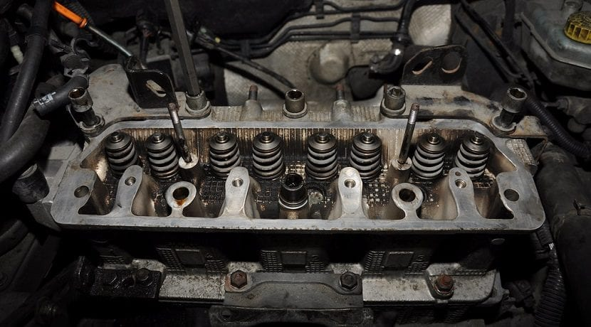 Culata de motor abierta