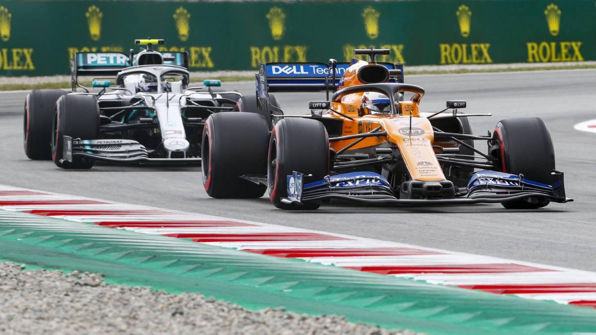 McLaren delante de Mercedes