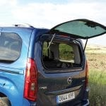 Prueba Opel Combo Life luna trasera abatible