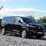Prueba Peugeot Traveller VIP perfil delantero