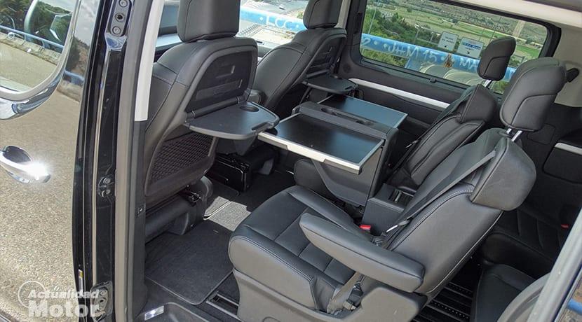 Peugeot Traveller VIP interior