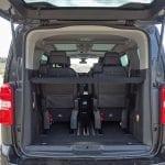 Prueba Peugeot Traveller maletero con tres filas y bandeja
