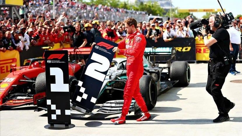 Vettel GP Canadá 2019 cambiando cartel 1º