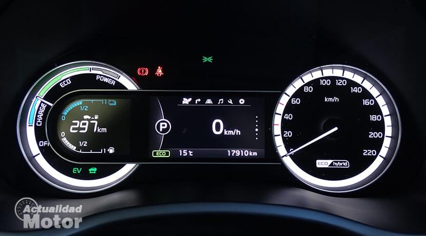 Cómo ahorrar conduciendo un coche híbrido