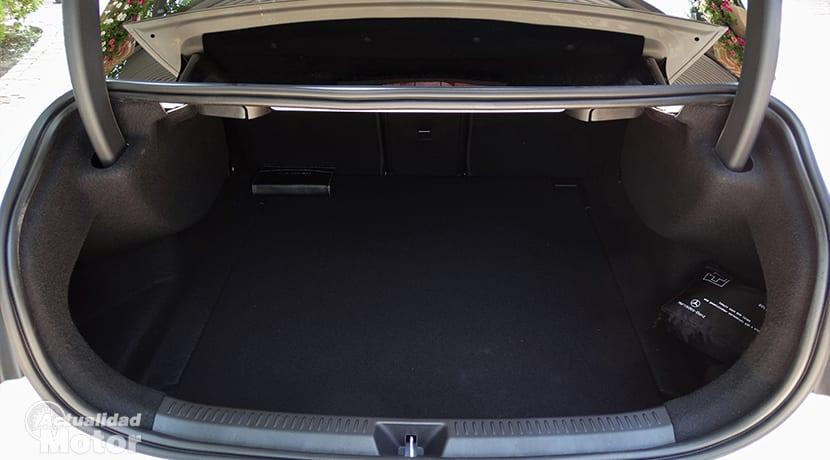 Maletero del Mercedes Clase A Sedán 420 litros