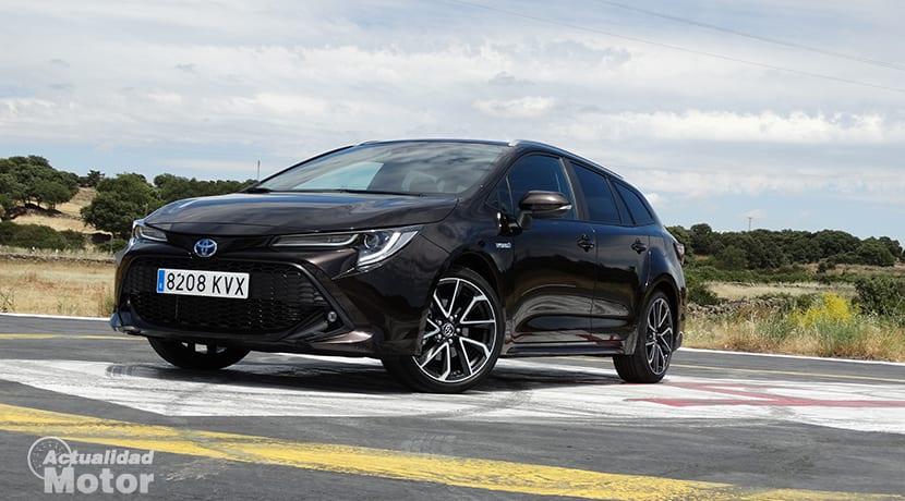 Prueba Toyota Corolla Touring Sports 180H perfil delantero