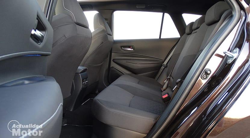 Toyota Corolla Touring Sports plazas traseras