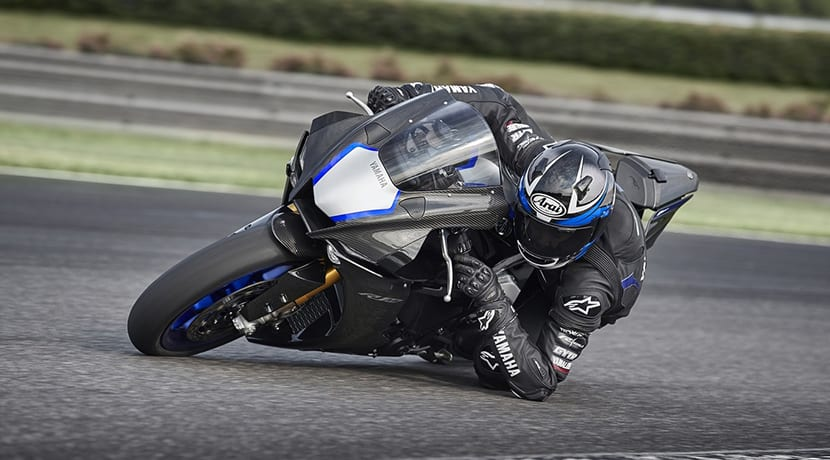 Yamaha YZF-R1M codo