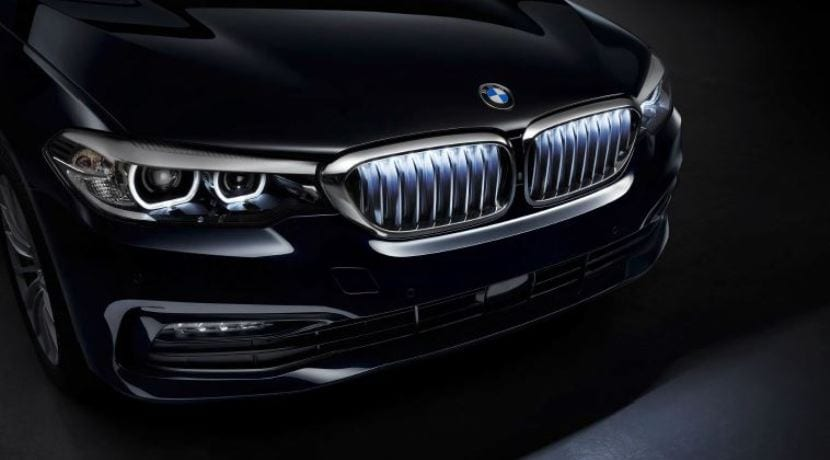 BMW Serie 5 Chrome Iconic Glow Kidney Grilles