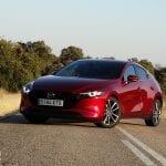 Prueba Mazda3 perfil delantero