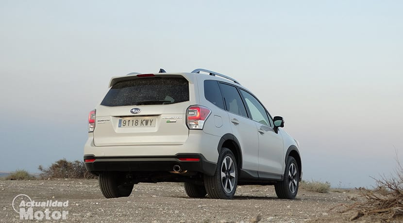 Prueba Subaru Forester GLP 150 CV parte trasera