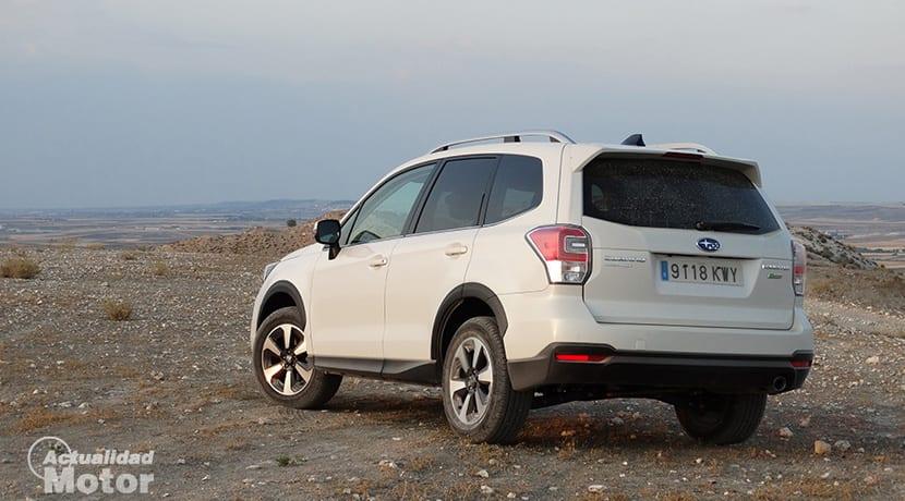 Prueba Subaru Forester GLP perfil trasero