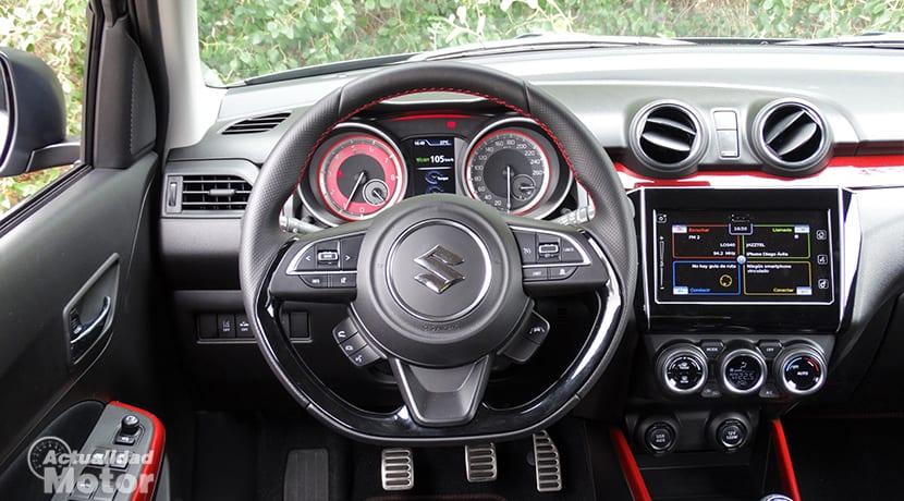 Volante, cuadro y pantalla Suzuki Swift Sport