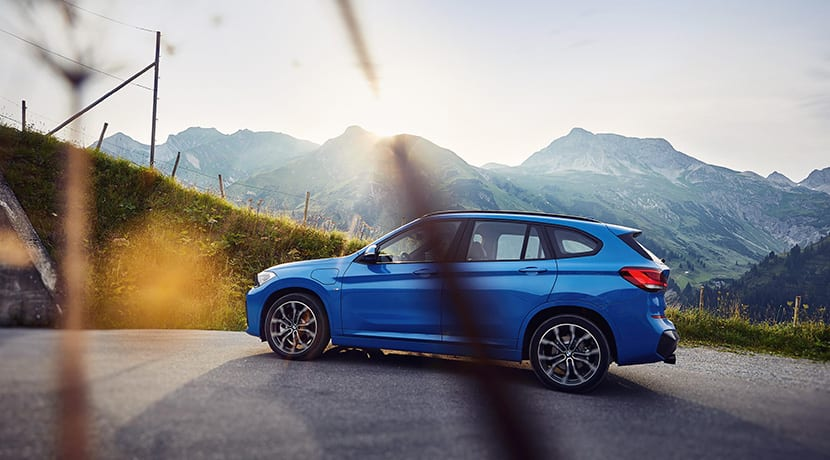 BMW X1 xDrive25e lateral