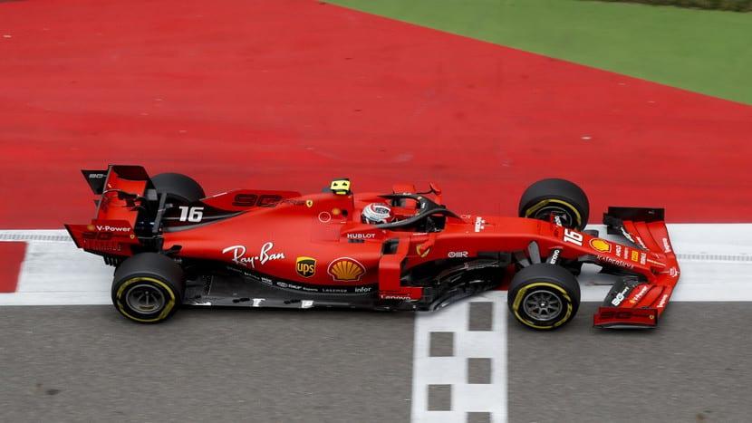 Charles Leclerc en su Ferrari 2019