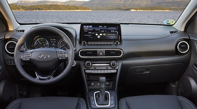 Hyundai Kona Híbrido interior