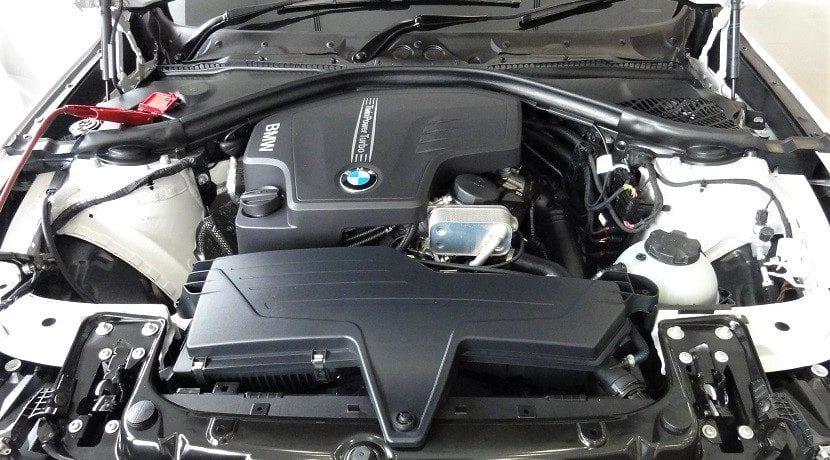 La máquina de diagnosis sirve para revisar el motor y otros elementos del coche