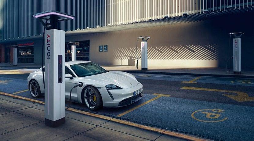 Supercargadores de 350 kW para el Porsche Taycan